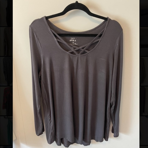 TORRID LONG SLEEVE TOP WITH STRAPS DETAIL(SIZE 16)